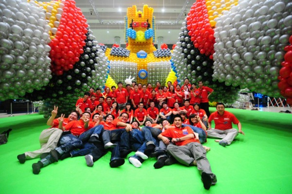 Largest Single Sculpture Made Of Balloons 2012
